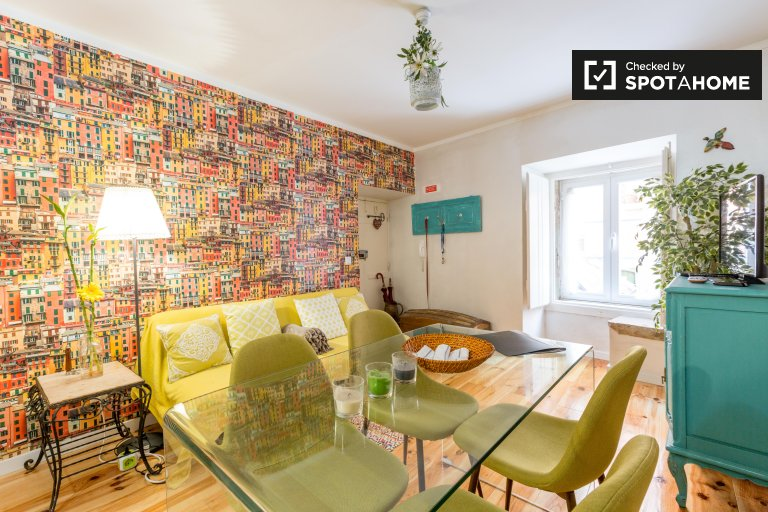 Tranquil studio apartment for rent in São Vicente, Lisbon
