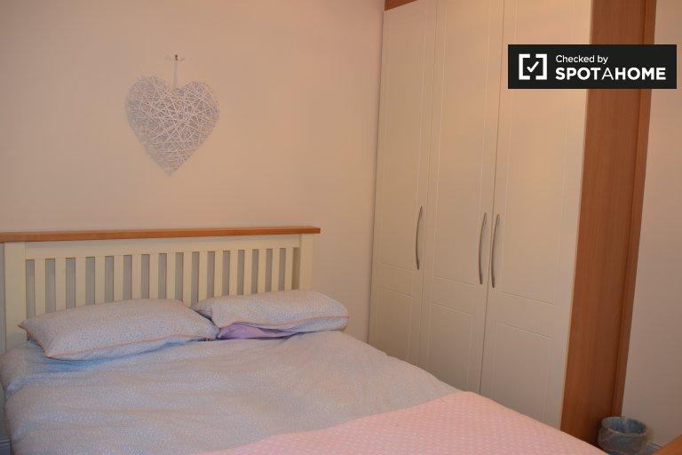 Gemütliches Zimmer zu vermieten in 3-Zimmer-Häusern in Swords, Dublin