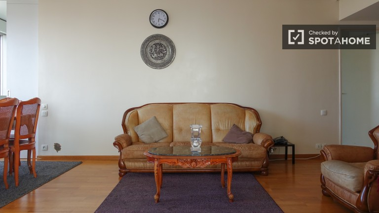 Spacious 2-bedroom apartment for rent - Puteaux, Paris