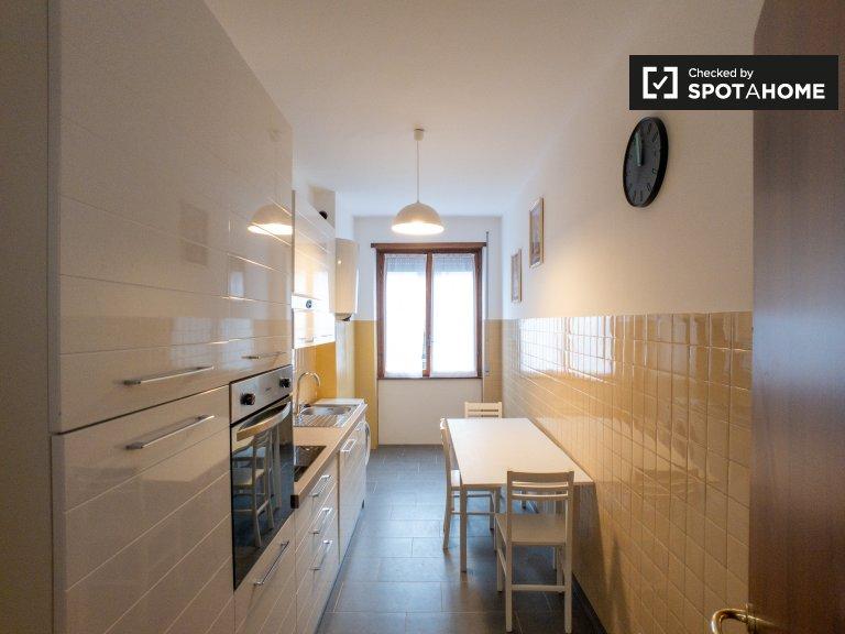 Apartamento de 3 dormitorios en alquiler en Corvetto, Milán