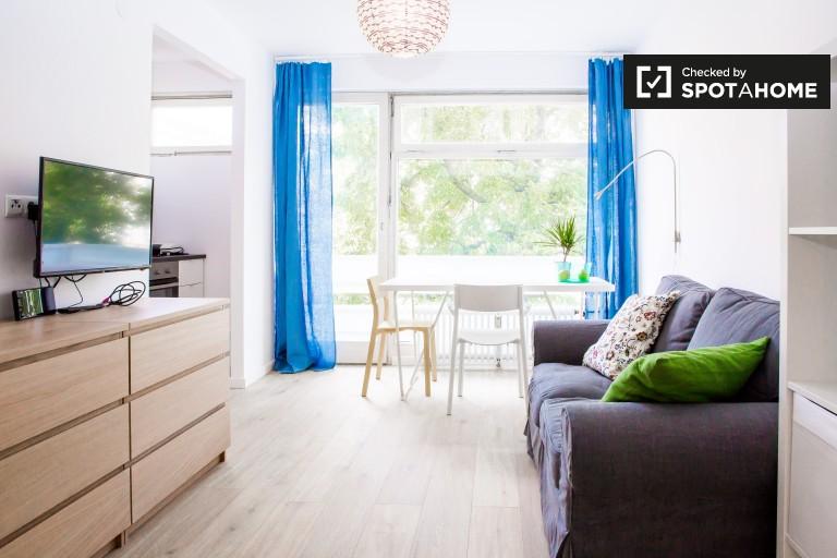 Modern studio apartment with balcony for rent in Tempelhof-Schöneberg, Berlin