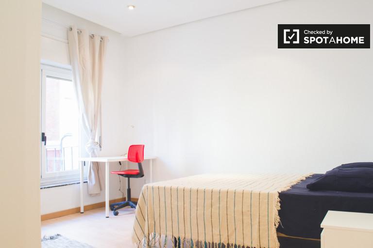 Arguelles, Madrid'de 5 yatak odalı dairede büyük oda