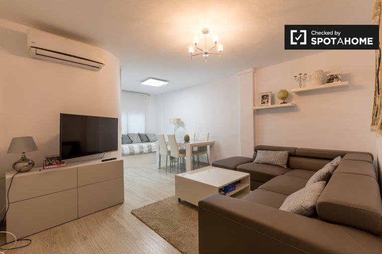 Moderno apartamento de 1 quarto para alugar Ciutat Vella, Valência