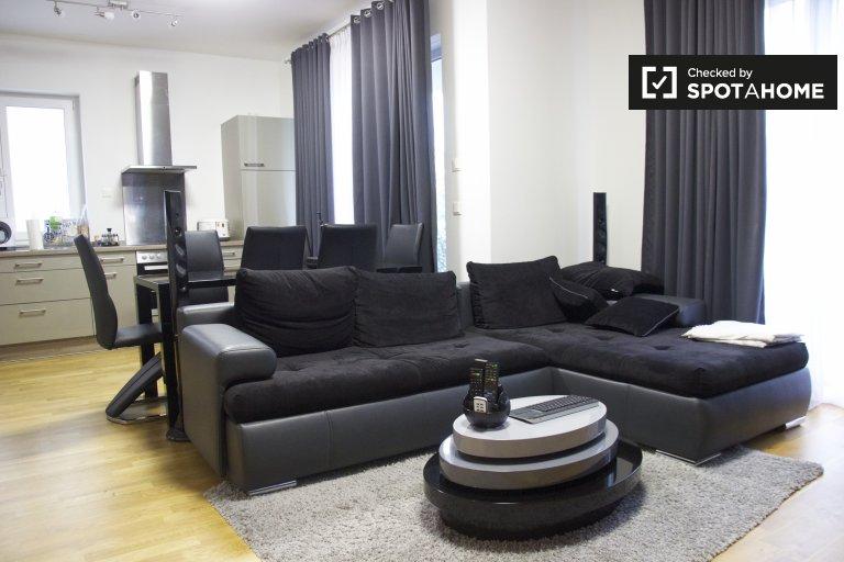Stylish 1-bedroom apartment for rent in Kreuzberg