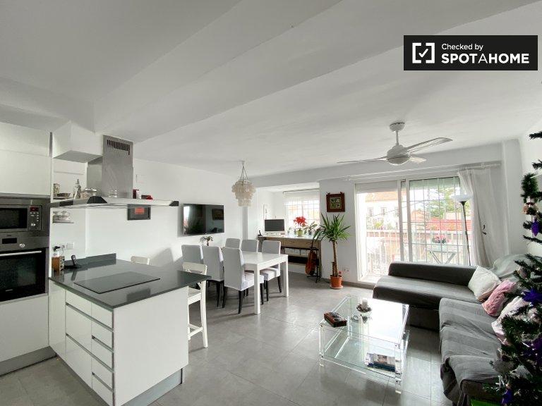 Appartamento con 1 camera da letto in affitto a Malva-Rosa, Valencia