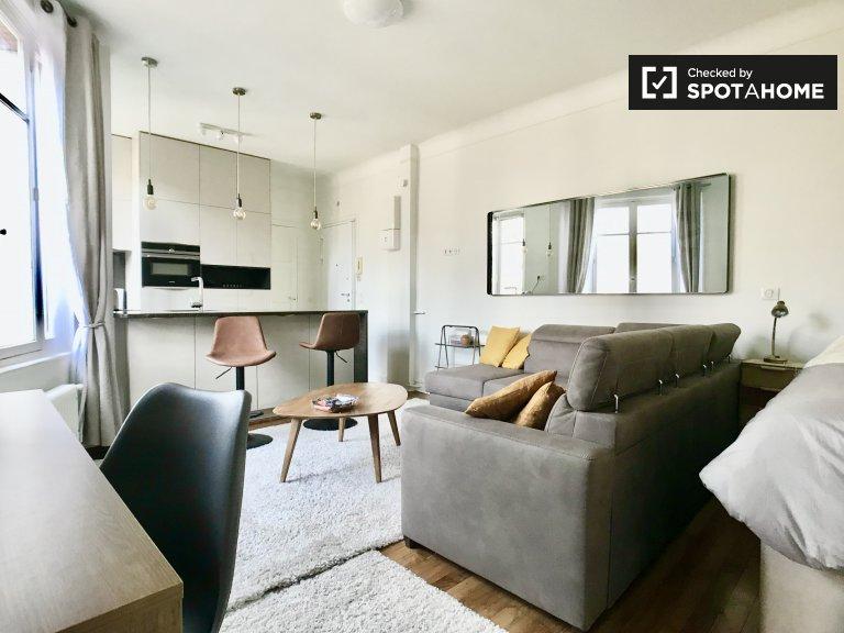Studio apartment for rent in Paris 15