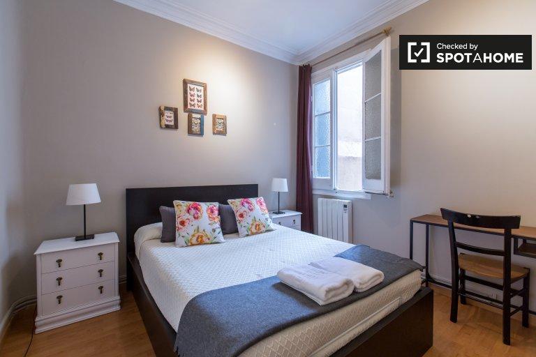 Chambre lumineuse à louer dans un appartement de 2 chambres à coucher dans l'Eixample Dreta