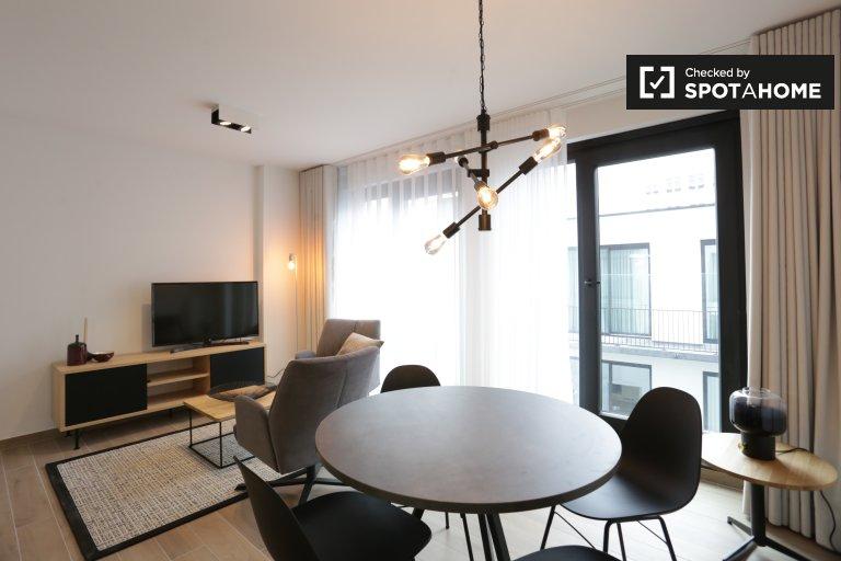 Jasny apartament typu studio do wynajęcia w Dzielnicy Europejskiej