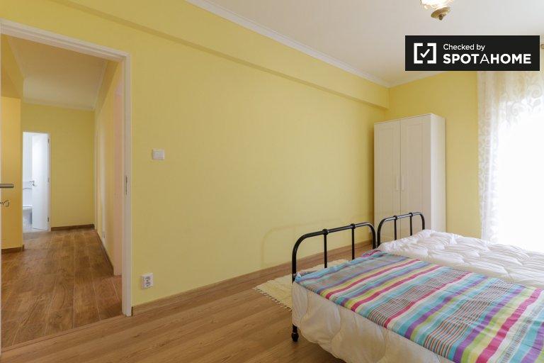 Camera in affitto in appartamento con 3 camere da letto a Cascais, Lisbona