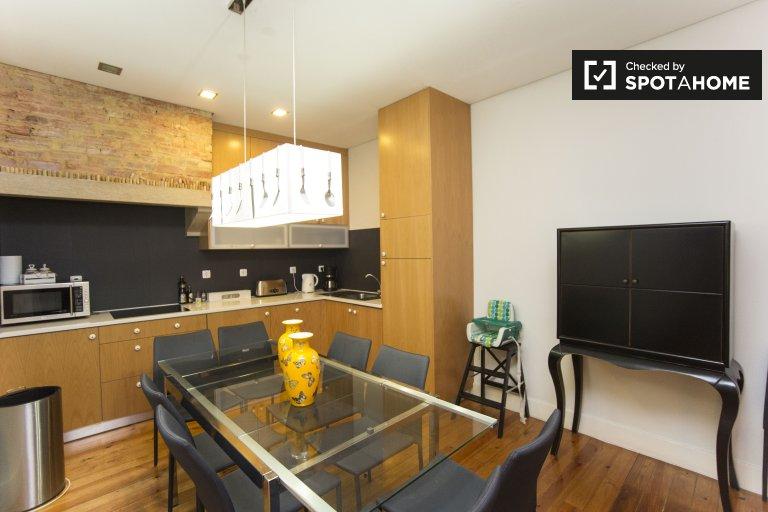 Nowoczesny 4-pokojowy apartament do wynajęcia w Arroios, Lizbona