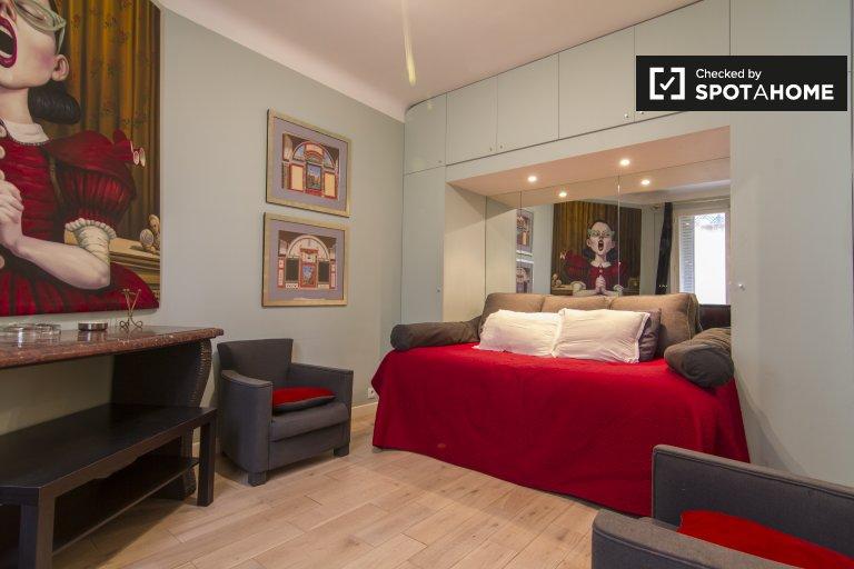Lux studio apartment for rent in 8th arrondissement, Paris