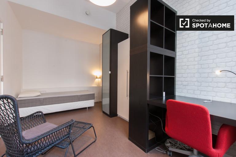 Chambre décorée dans un appartement de 2 chambres à Ixelles, Bruxelles