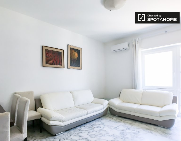 Appartement de 3 chambres à louer à Tomba di Nerone, Rome