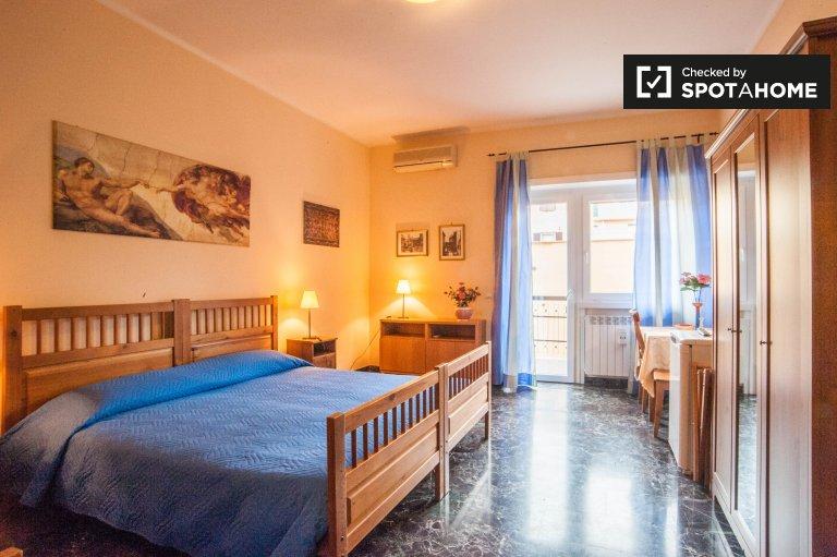 Chambre à louer dans un appartement de 3 chambres à Vaticani, Rome