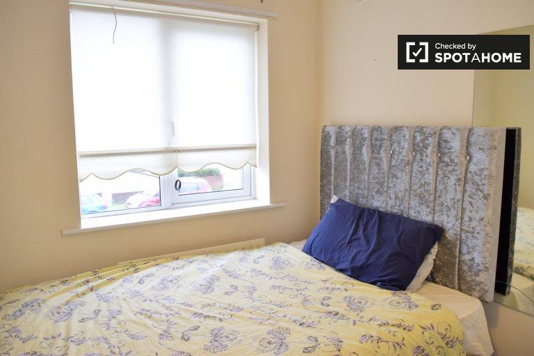 Gemütliches Zimmer in einem Haus mit 3 Schlafzimmern in The Fairways, Dublin