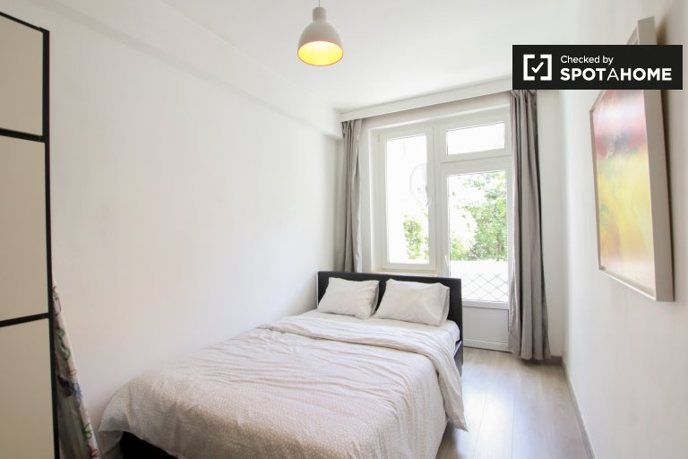 Sunny room for rent in Etterbeek, Brussels