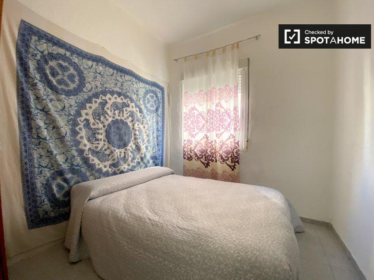Chambre à louer dans un appartement de 3 chambres à Algirós, Valence