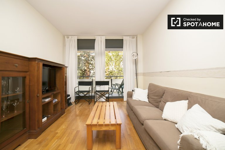4-bedroom apartment for rent in Eixample Dreta
