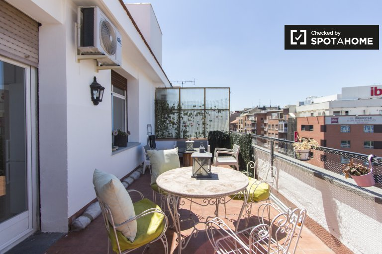 1-bedroom apartment with terrace for rent in Ventas, Madrid