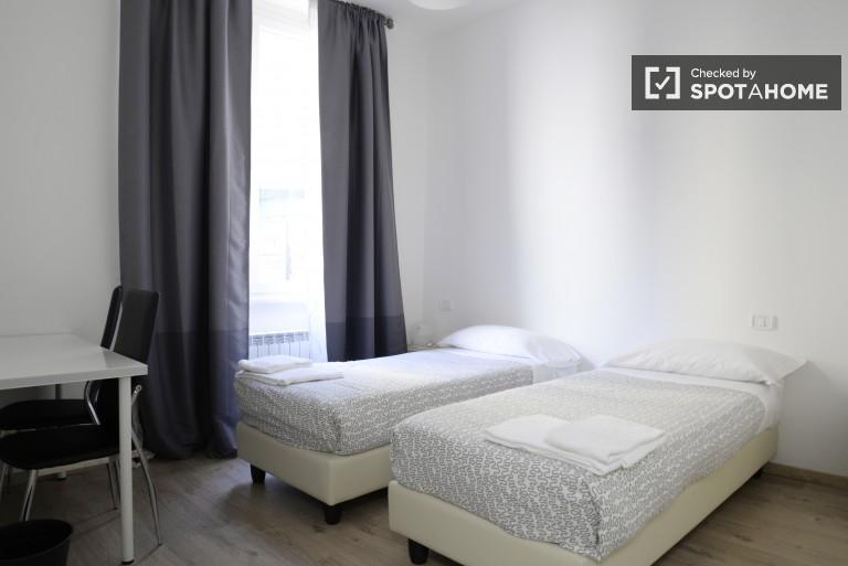 Bedroom 2 - Twin beds, ensuite