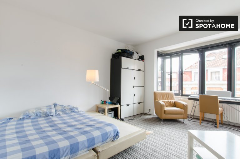 Decorated room in apartment in Woluwe, Brussels