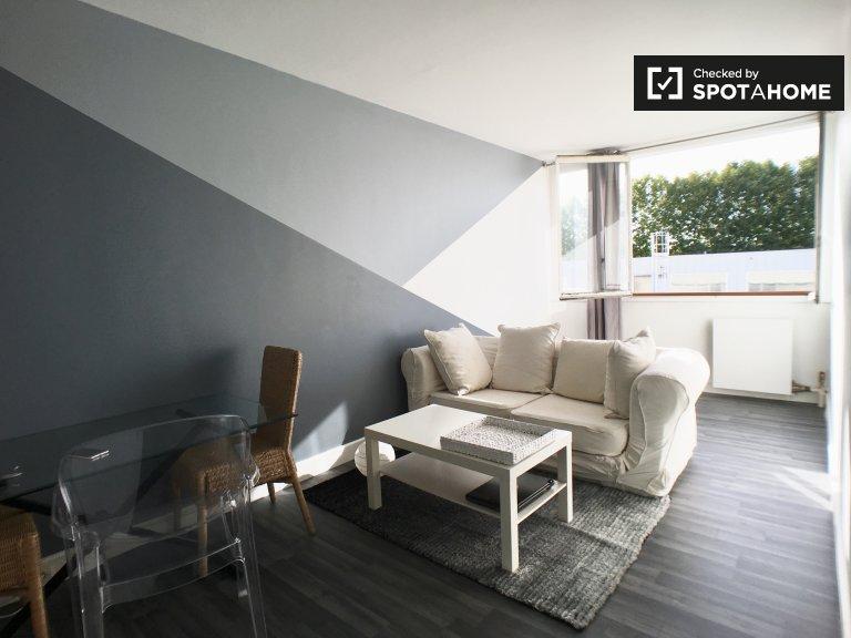 Villeneuve-le-Roi'de kiralık ortak dairede rahat oda