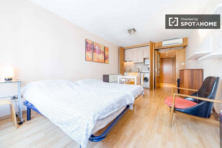 Studio apartment with AC for rent - Ciutat Vella, Valencia