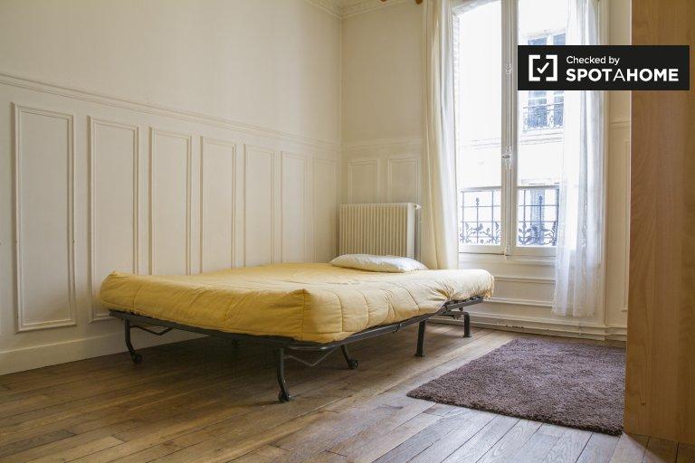 Ogromny pokój w apartamencie w Observatoire w Paryżu