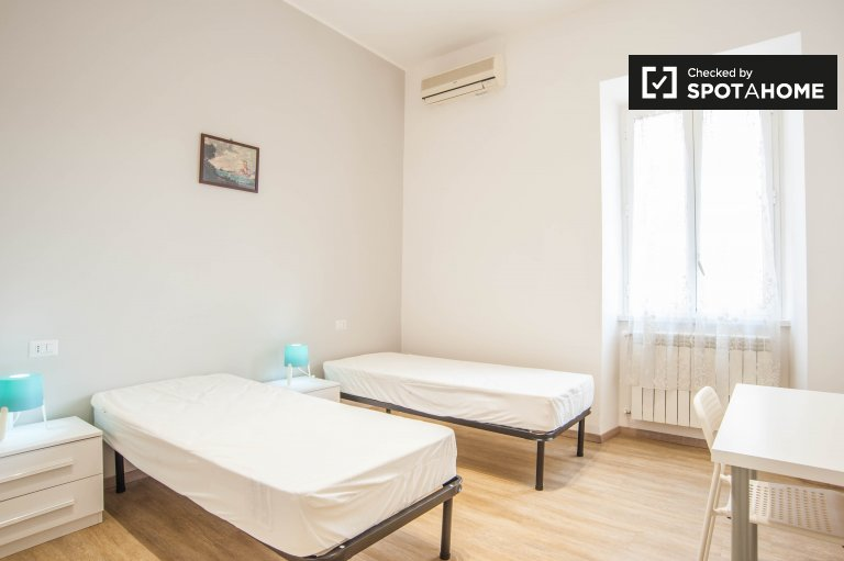 Shared room for rent in 2-bedroom apartment Centocelle, Rome