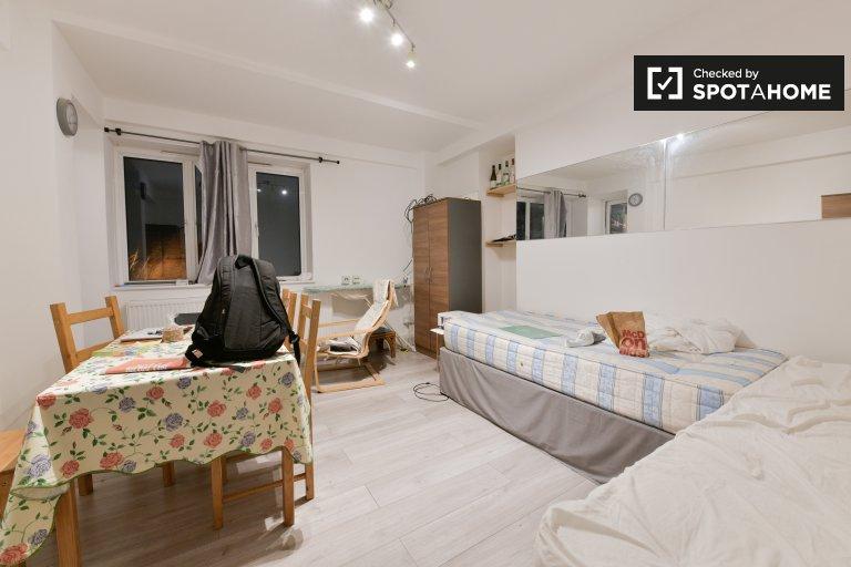 4-pokojowe mieszkanie do wynajęcia w Camden w Londynie