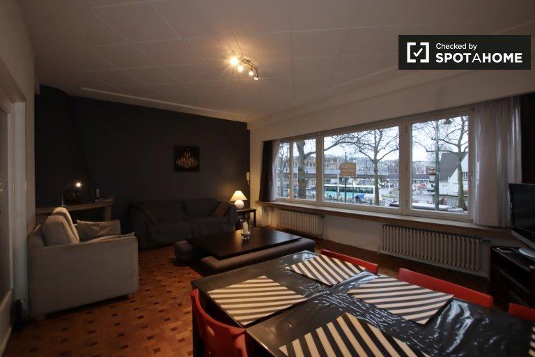 1-pokojowe mieszkanie do wynajęcia w Auderghem, Bruksela