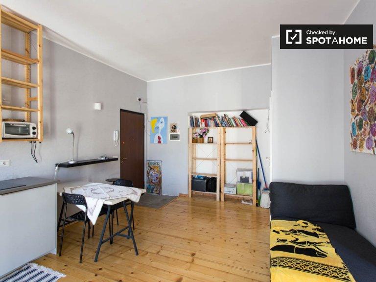 Moderno apartamento de 1 dormitorio en alquiler en Stadera, Milán