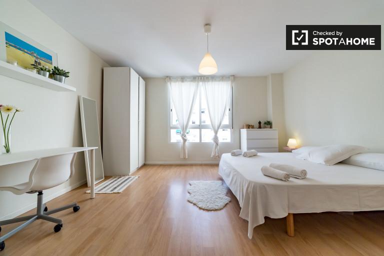 Habitación en apartamento de 5 dormitorios en Extramurs, Valencia