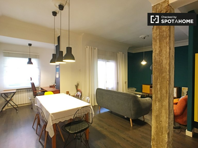 Chic 2-bedroom apartment for rent in Delicias, Madrid
