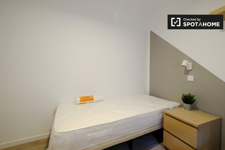 Chambre moderne à louer dans un appartement de 2 chambres à Getafe