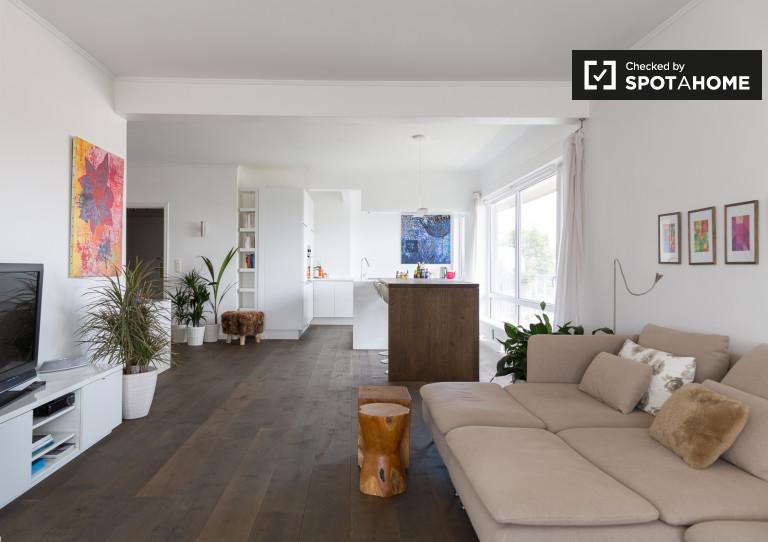 Moderno apartamento de 2 dormitorios en alquiler en Etterbeek