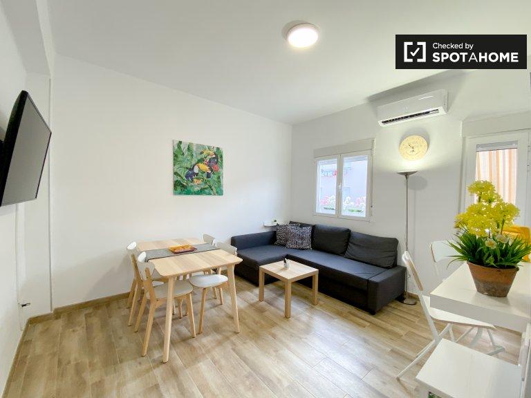 Appartamento con 3 camere da letto in affitto a Malva-Rosa, Valencia
