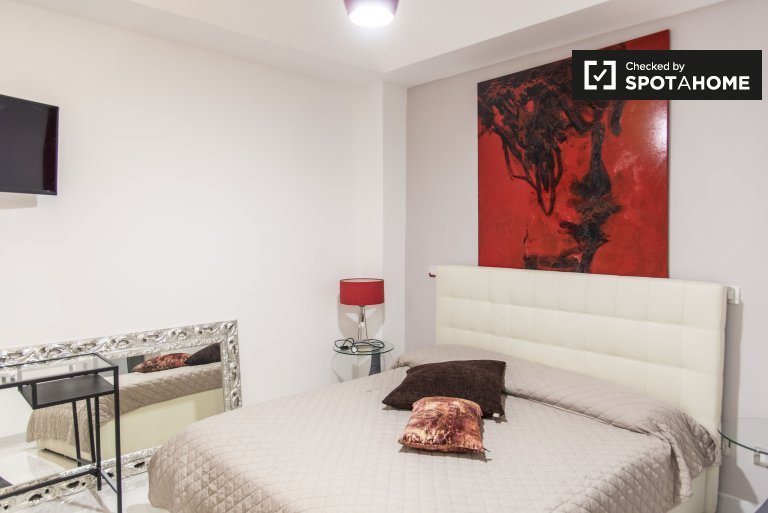 Furnished room, 3-bedroom house in Centro Storico, Rome