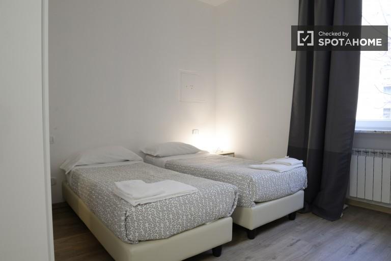 Bedroom 5 - Twin beds, ensuite