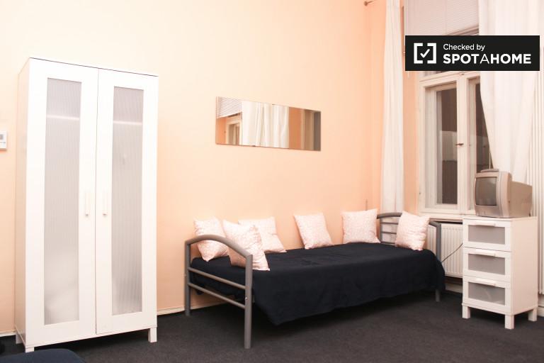 2-Zimmer-Wohnung zur Miete in Charlottenburg, Berlin