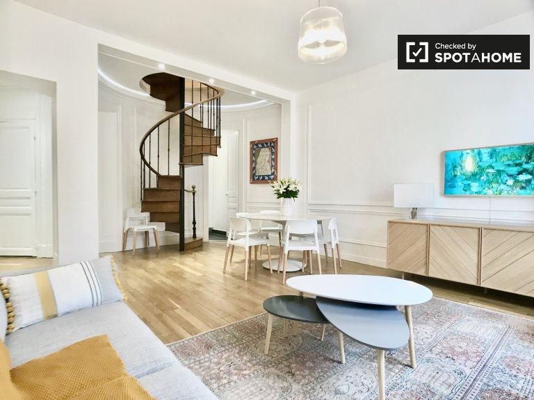 Duplex de 3 quartos para alugar em Paris 17