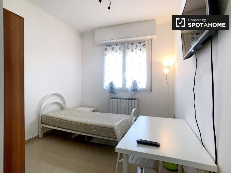 Komfortowy pokój w czteropokojowym apartamencie w Comasina w Mediolanie