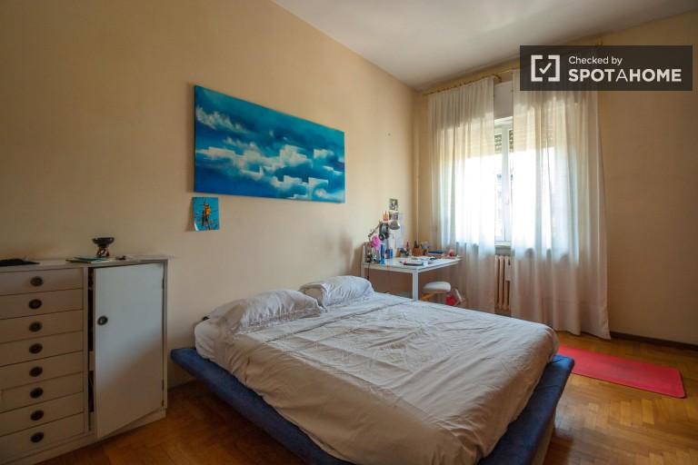 Camera da letto 2 con letto matrimoniale