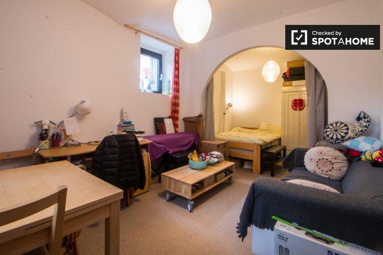 Big room in apartment in Steglitz-Zehlendorf, Berlin