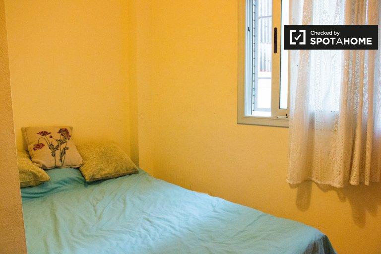 Chambre chaleureuse à louer dans un appartement de 3 chambres à coucher à Poble-sec