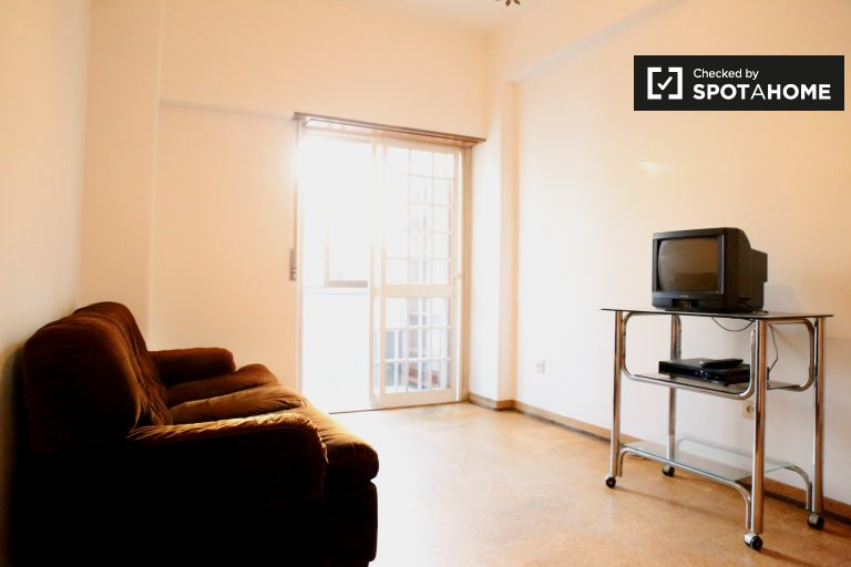 Furnished 1-bedroom apartment for rent in Arroios, Lisbon