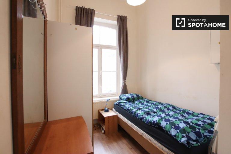 Pokój do wynajęcia w domu z 17 sypialniami - Etterbeek, Bruksela
