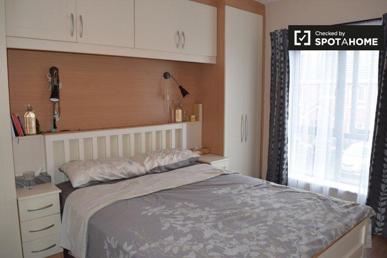 Helles Zimmer zu vermieten, 3-Zimmer-Haus, Donaghmede