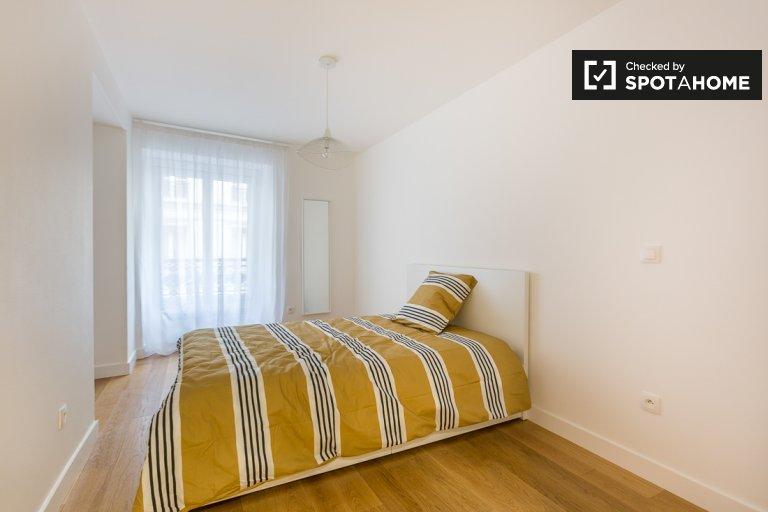 Furnished room 7-bedroom apartment 9th arrondissement Paris