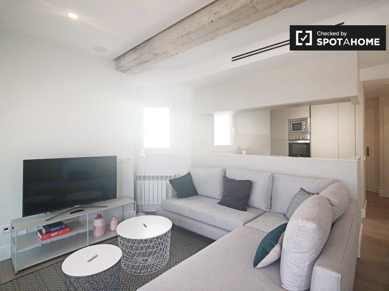Luminoso apartamento de 2 dormitorios con aire acondicionado para alquilar en el centro de Madrid